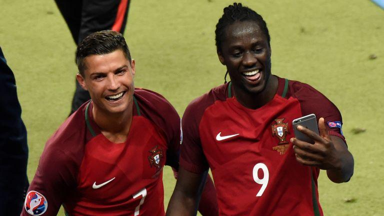 Portugal's forward Cristiano Ronaldo and Eder take a selfie