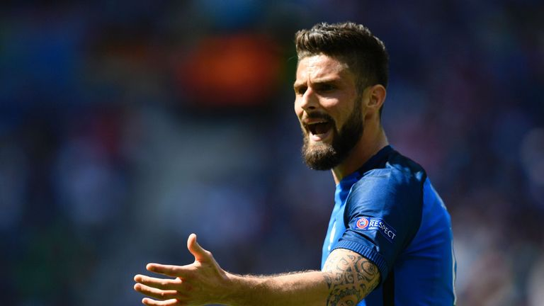 France's forward Olivier Giroud reacts during the Euro 2016 round of 16 football match between France and Republic of Ireland at the Parc Olympique Lyonnai