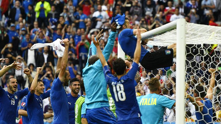 Itayl players celebrate following their 2-0 win over Spain in the Euro 2016 round of 16 football match between Italy and Spain at the Stade de France stadi
