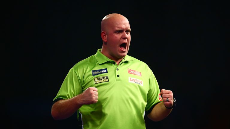 Michael van Gerwen edged out Kyle Anderson in his opening match