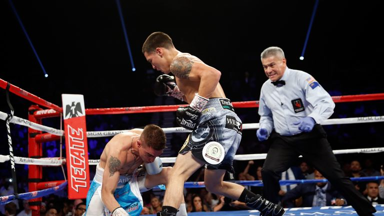 Oscar Valdez needed just two rounds to defeat Matias Carlos Rueda