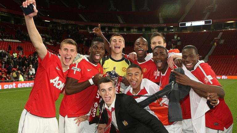 Pogba poses with his Manchester United team-mates after FA Youth Cup glory