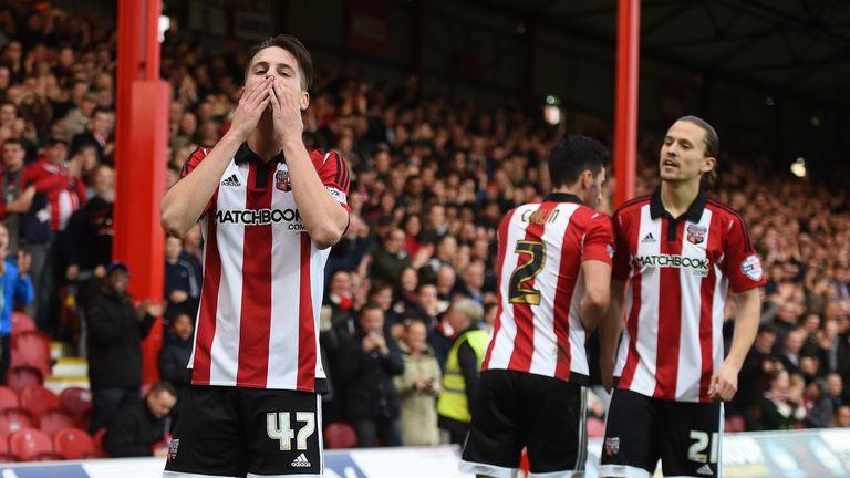 Brentford's Sergi Canos (right) celebrates scoring their first goal