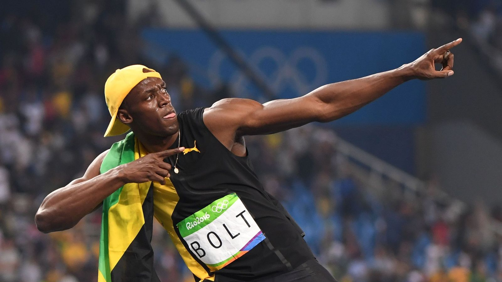 Usain Bolt wins Olympic gold in men's 100m final ...