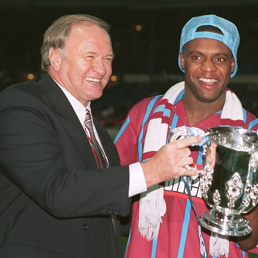 Big Ron leads tributes