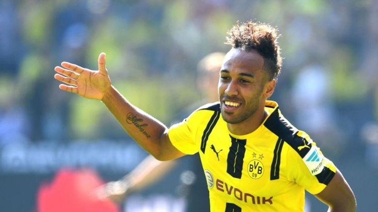 Pierre-Emerick Aubameyang, con una sua doppietta il Borussia Dortmund vince la prima di campionato (foto Getty)