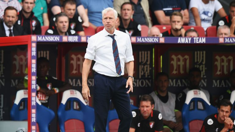 LONDON, ENGLAND - AUGUST 27: Alan Pardew, Manager of Crystal Palace looks on during the Premier League match between Crystal Palace and AFC Bournemouth at