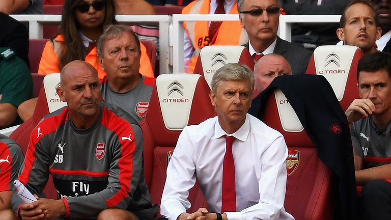 Arsene Wenger watches on as Arsenal lose 4-3 to Liverpool