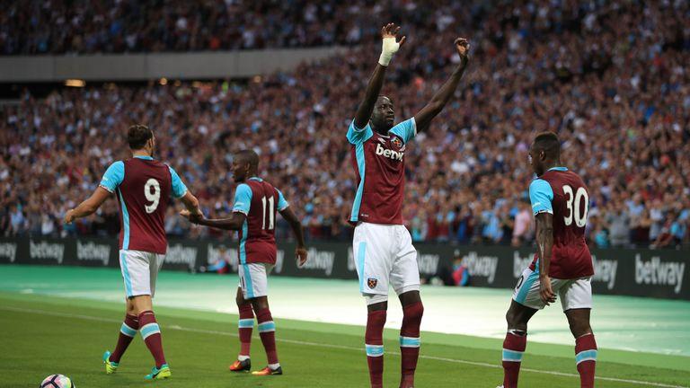 West Ham United's Cheikhou Kouyate celebrates