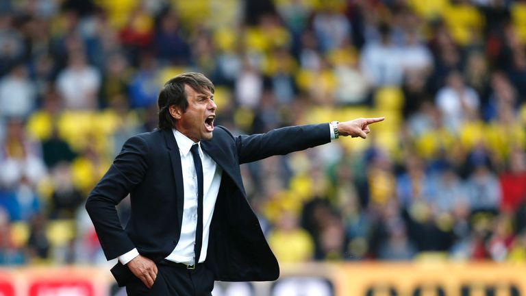 Antonio Conte shouts instructions from his technical area