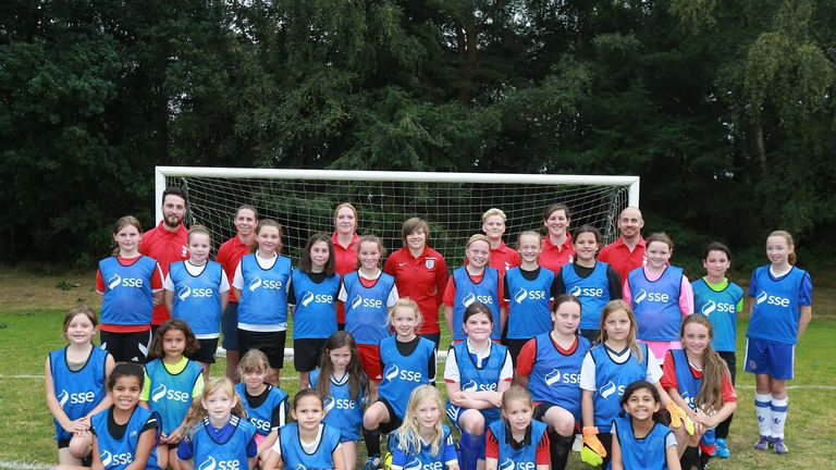 Fran Kirby with members of Bracknell Town's girls only football programme