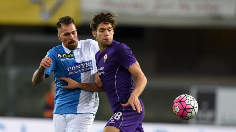 Chelsea are in advanced talks to sign Marcos Alonso from Fiorentina.