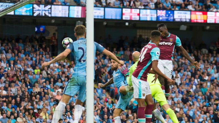 Michail Antonio has scored more headed Premier League goals (10) in 2016 than any other player
