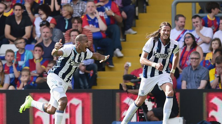 Rondón (r) celebrates scoring the winner for West Brom against Crystal Palace