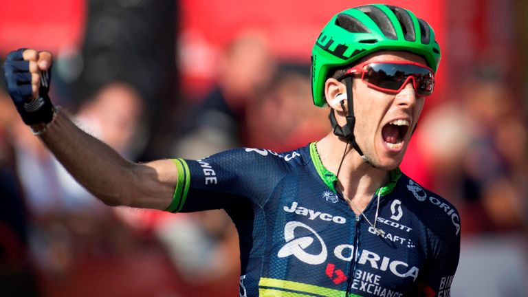 Simon Yates escaped to victory on stage six