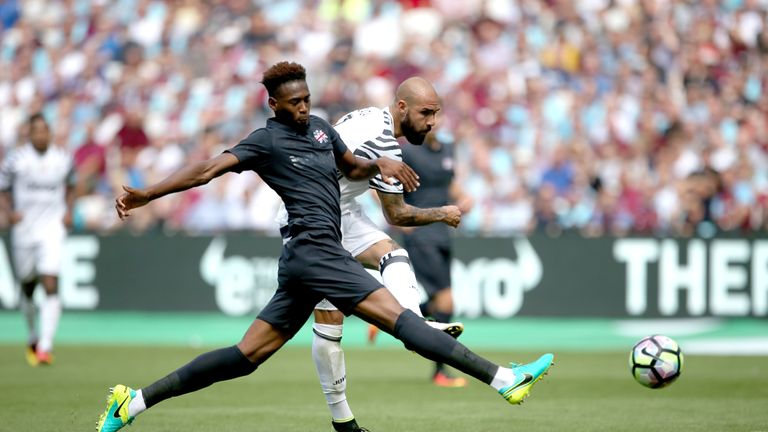 Juventus' Simone Zaza scores his side's third goal of the game during the Betway Cup match at London Stadium