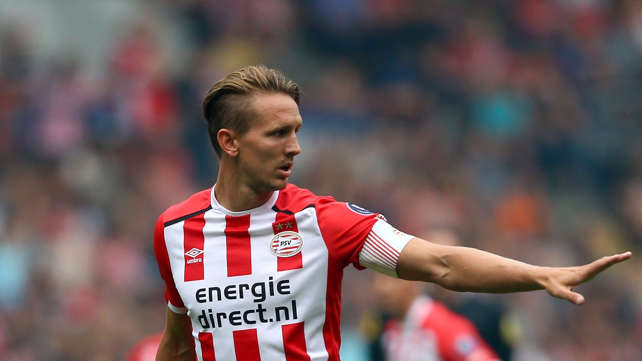 Eredivisie round-up: Luuk de Jong double keeps PSV ...
