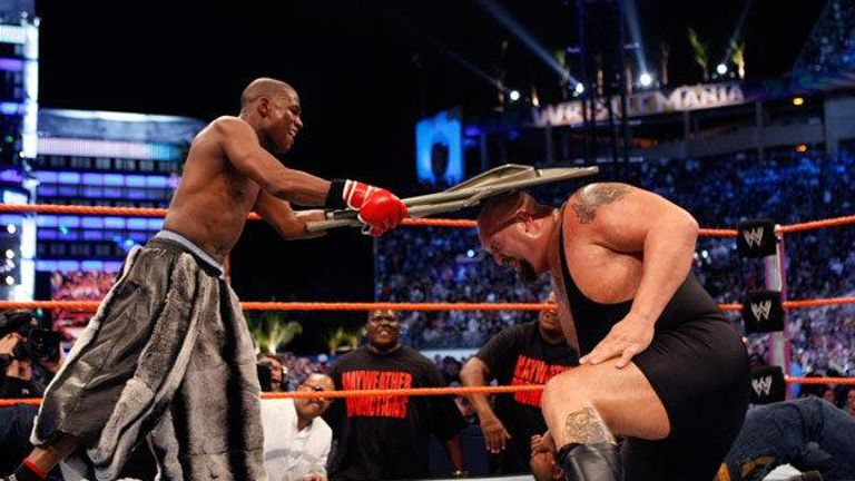 Floyd Mayweather battled Big Show at WrestleMania 24