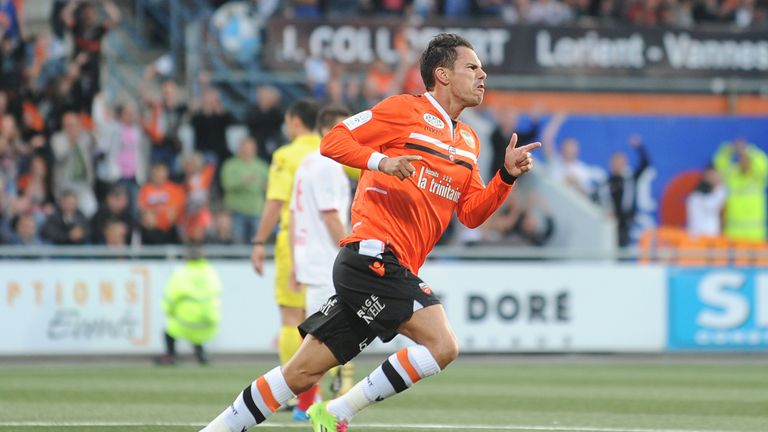 Jeremie Aliadiere is back in France with Lorient