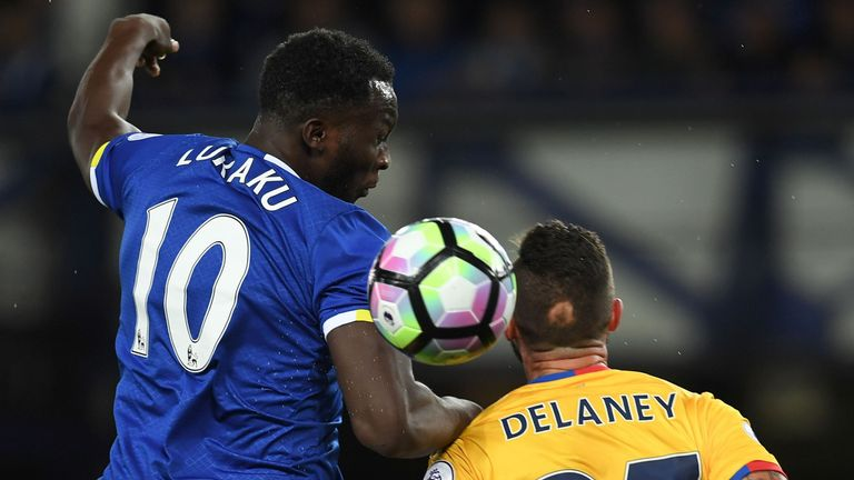 Everton's Romelu Lukaku (L) vies with Crystal Palace's Damien Delaney during the Premier Leagyue match at Goodison Park