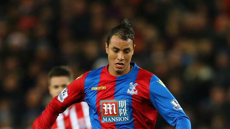 STOKE ON TRENT, ENGLAND - DECEMBER 19:  Marouane Chamakh of Crystal Palace in action during the Barclays Premier League match between Stoke City and Crysta