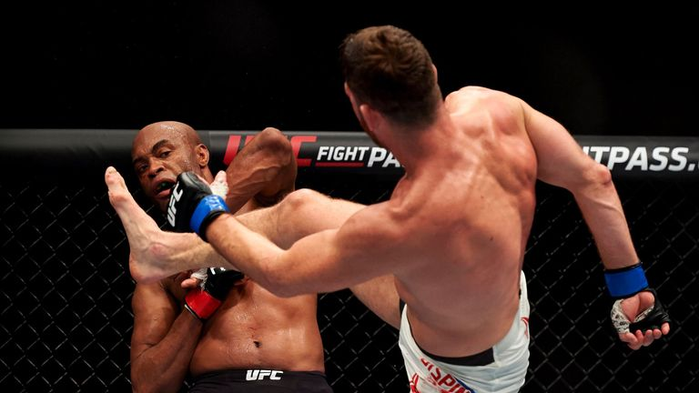 Bisping bravely beat Silva in London