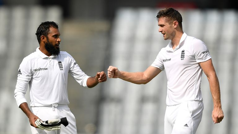Chris Woakes (R) shared in a valuable partnership with Adil Rashid in Dhaka