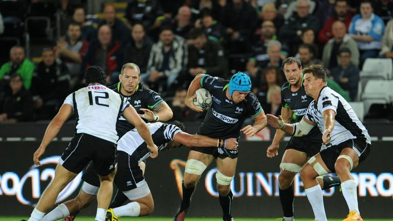 Justin Tipuric looks to attack for the  Ospreys