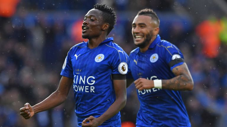 Leicester's Ahmed Musa (L) celebrates with Danny Simpson