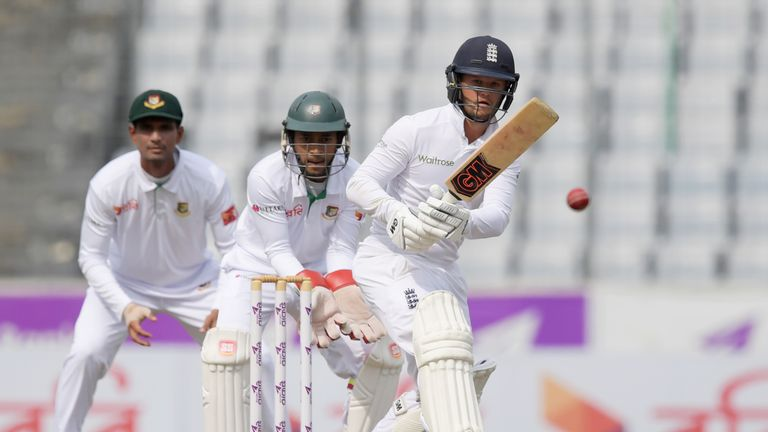 England's Ben Duckett (R) hit fifty in the second innings in Dhaka after three low scores