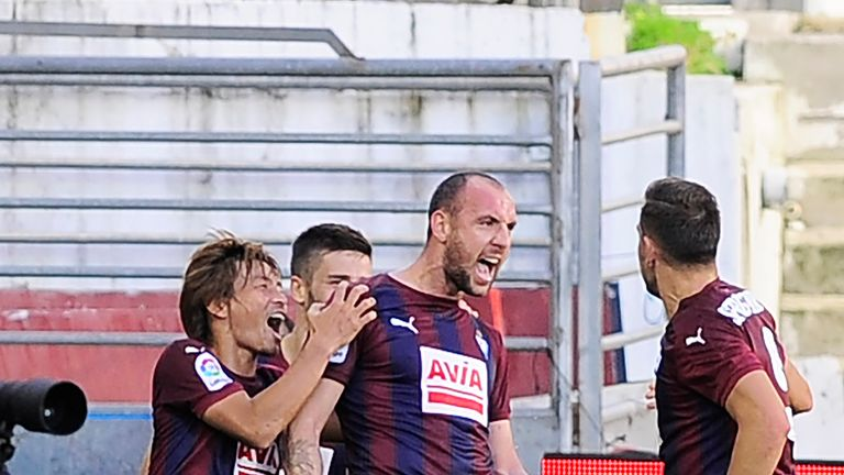 Eibar players celebrate after Ivan Ramis scores against Villarreal