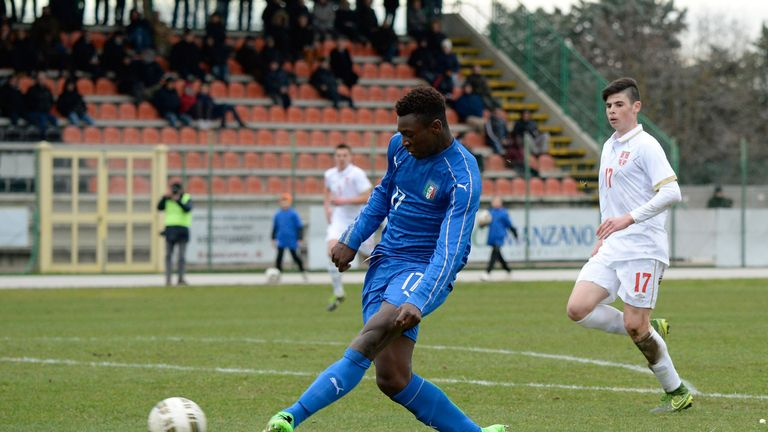 MANZANO, ITALY - FEBRUARY 16:  Bioty Moise Kean of Italy U17 scores his team's seconf goal during the international friendly match between Italy U17 and Se