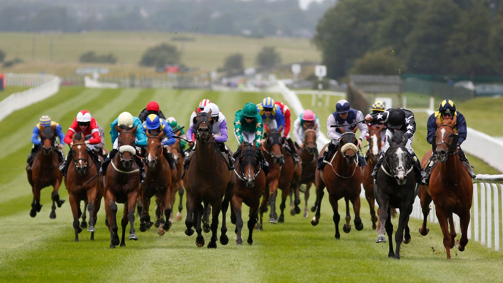 Horse racing set for early return in the Republic