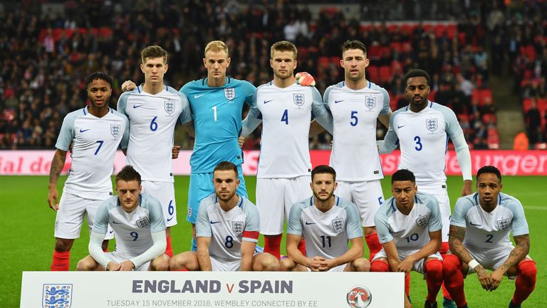 the latest 9d975 6473c FA strikes record England kit deal with Nike | Football News ...