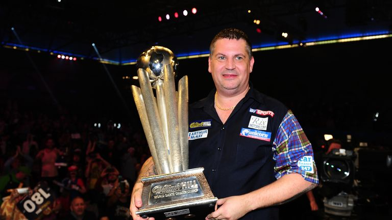 Gary Anderson will bid for a third successive world title, a feat only achieved by two other men