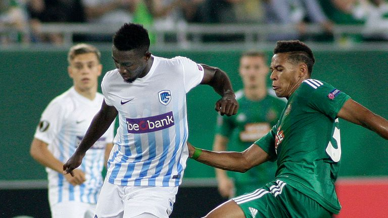 Wilfred Ndidi (L) in action for Genk against Rapid Vienna