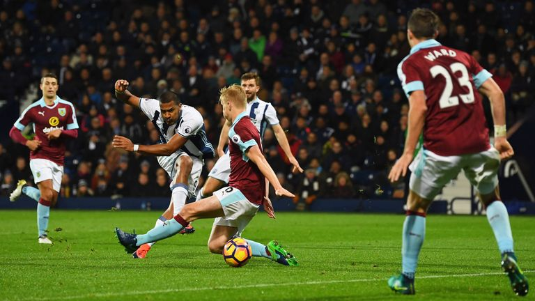 WEST BROMWICH, ENGLAND - NOVEMBER 21:  Jose Salomon Rondon of West Bromwich Albion (2L) scores their fourth goal during the Premier League match between We