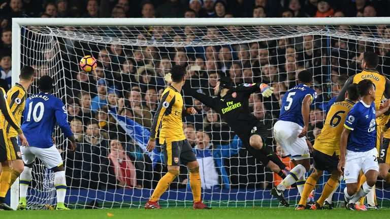 Williams scores for Everton against Arsenal