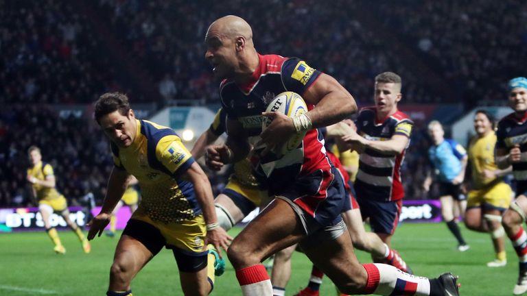Bristol's Tom Varndell breaks to score a try