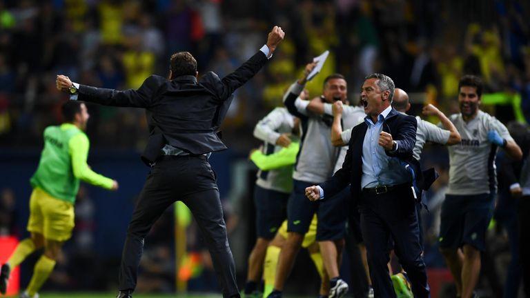 VILLARREAL, SPAIN - OCTOBER 23:  Head Coach Fran Escriba (R) of Villarreal CF celebrates after Cedric Bakambu of Villarreal CF scored his team's second goa