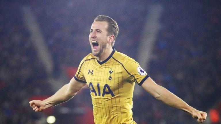 SOUTHAMPTON, ENGLAND - DECEMBER 28:  Harry Kane of Tottenham Hotspur celebrates as he scores their second goal during the Premier League match between Sout