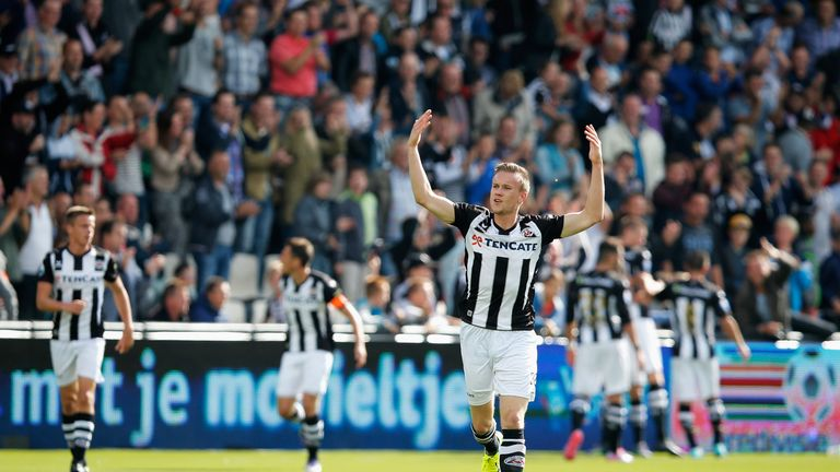 ALMELO, NETHERLANDS - SEPTEMBER 21:  Mike te Wierik of Heracles celebrates his teams goal during the Dutch Eredivisie match between Heracles Almelo and FC