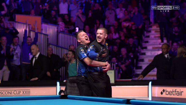 Jayson Shaw celebrates his winning shot