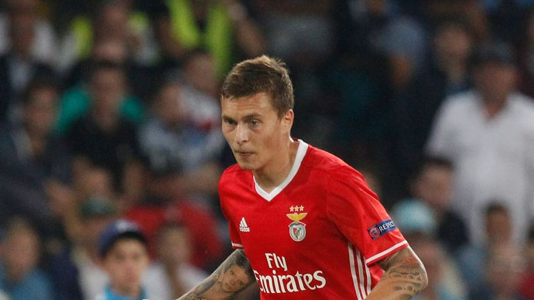 Benfica will 'find solutions' if Victor Lindelof leaves, according to manager Rui Vitoria