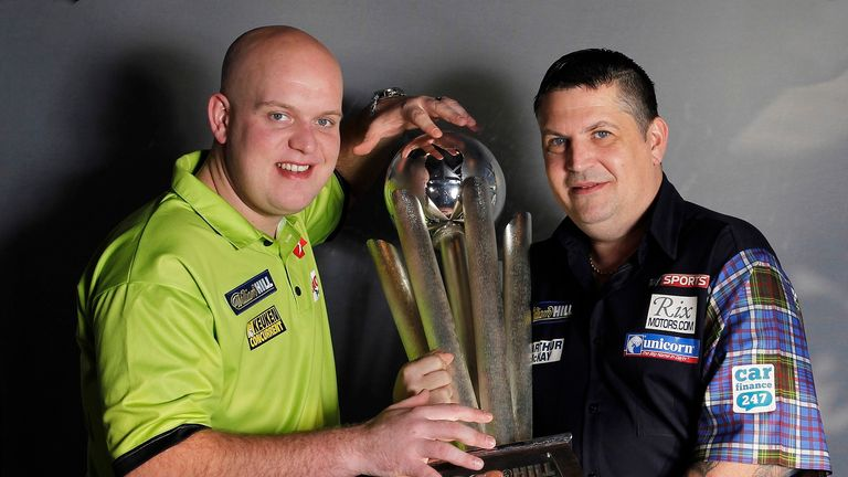Anderson will meet world number one and 2014 champion Michael van Gerwen in the 2017 final