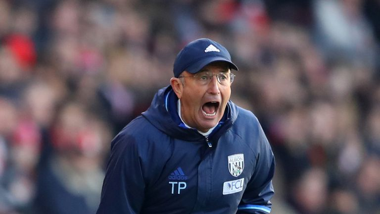 SOUTHAMPTON, ENGLAND - DECEMBER 31: Tony Pulis, Manager of West Bromwich Albion shouts during the Premier League match between Southampton and West Bromwic