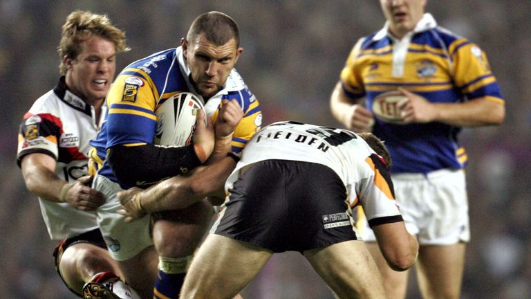 Barrie McDermott runs at Stuart Fielden during the 2005 Grand Final between Leeds and Bradford, which was won by the Bulls
