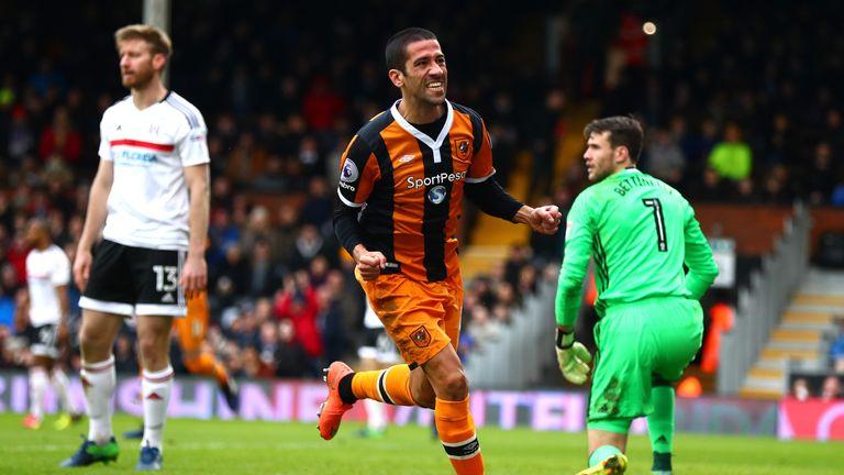 Evandro of Hull City celebrates