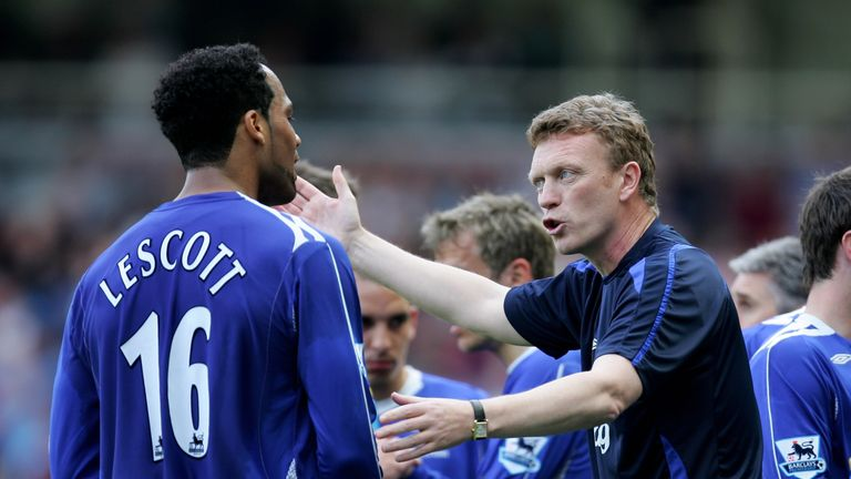 LONDON - APRIL 21:  David Moyes manager of Everton tries to give instructions to Joleon Lescott of Everton during the Barclays Premiership match between We