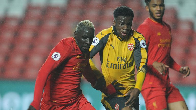 Stephy Mavididi takes on Mamadou Sakho during the Premier League 2 match between Arsenal and Liverpool